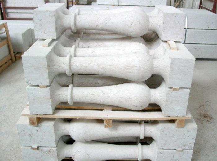 Lessinia stone columns